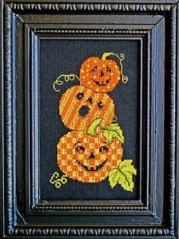 Bobbie G Designs - Triple Jack O Lanterns
