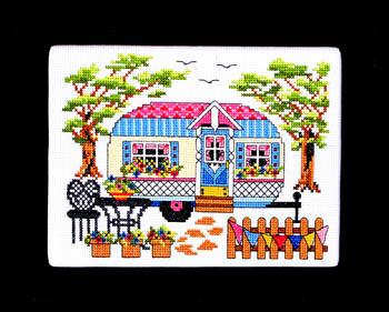 Bobbie G Designs - Spring Camper