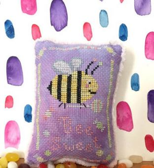 Darling & Whimsy Designs - Bee Sweet