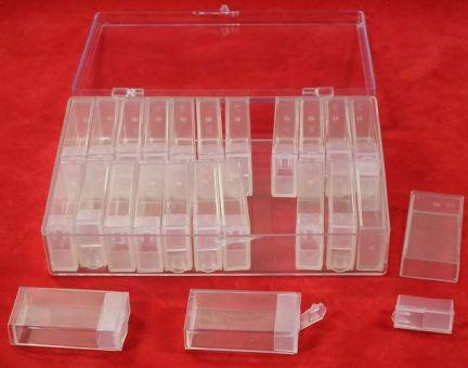 Klarsichtbox mit abnehmbaren Decken befüllt mit 24 einzelnen Dosen.