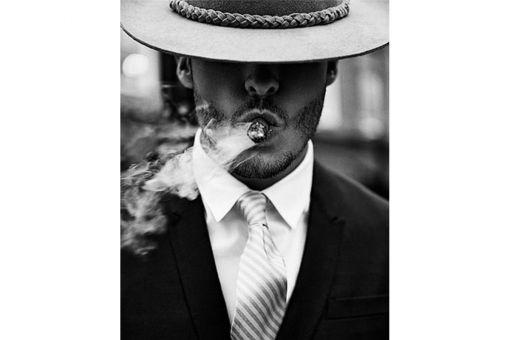 Diamond Painting Wizardi - SMOKING MAN