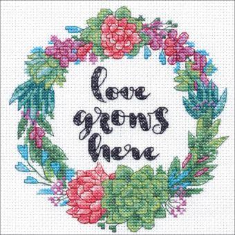 Dimensions Crafts - Succulent Wreath