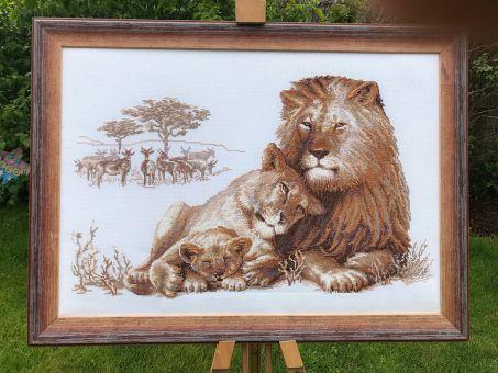Super SALE! Guter Zustand! Gesticktes Modell Löwen von RIOLIS