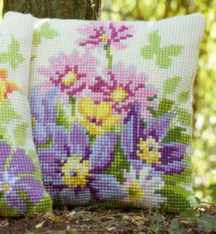 Vervaco Kreuzstichkissen - Blüten in Pastellfarben