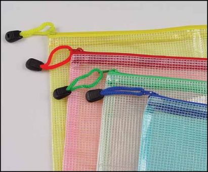 Transparenter, stabiler Aufbewahrungsbeutel in trendigen Farben.