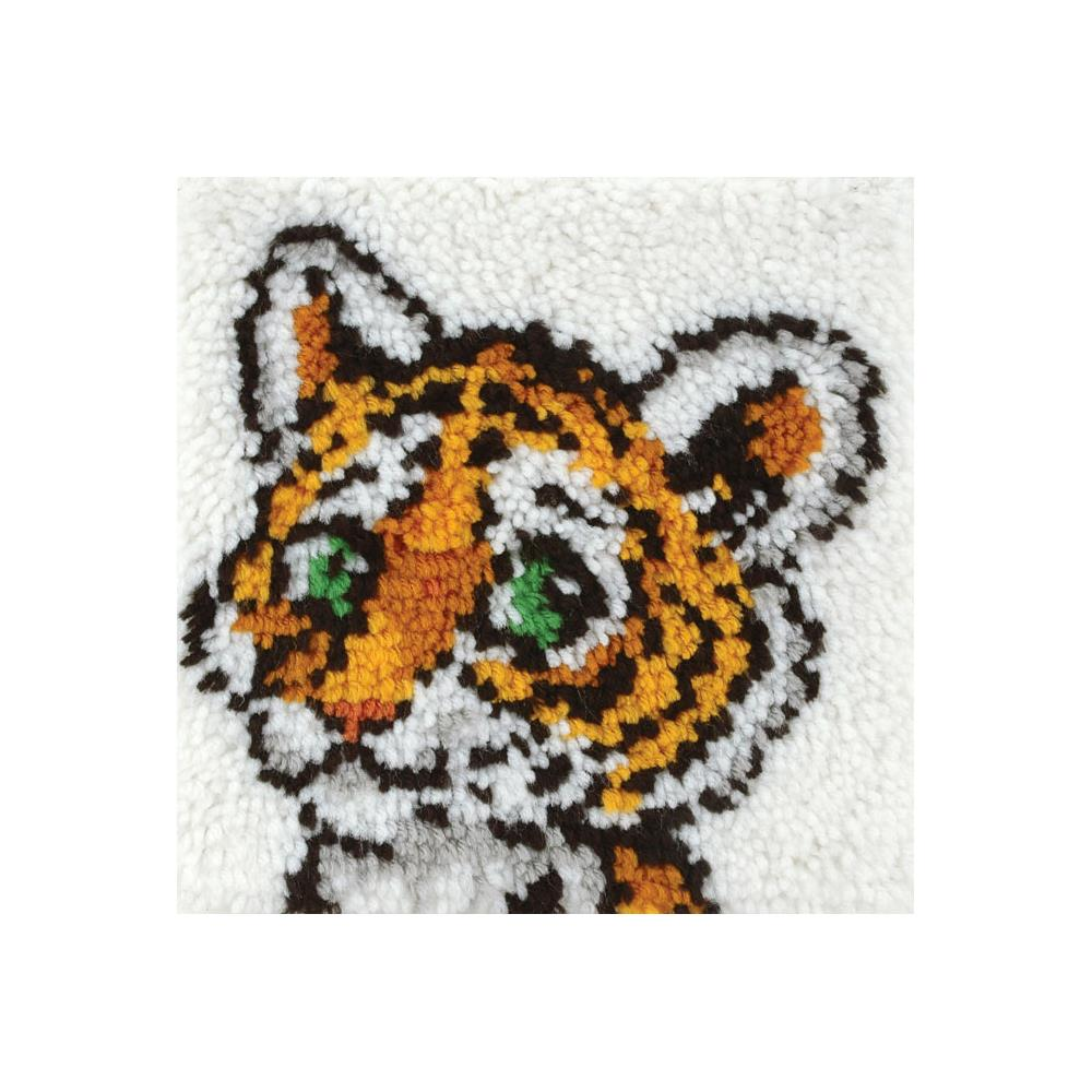 Caron Latch Hook Kit - Tiger Cub